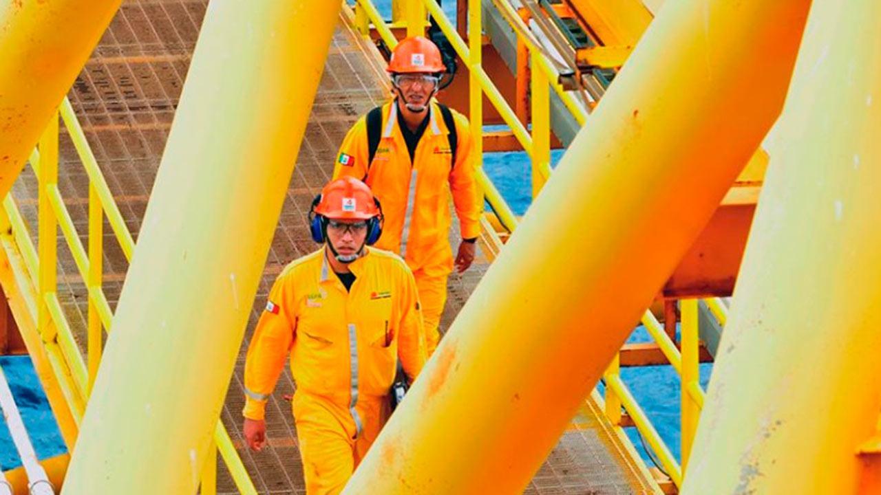 Producción petrolera de Pemex cae a su peor nivel en 40 años