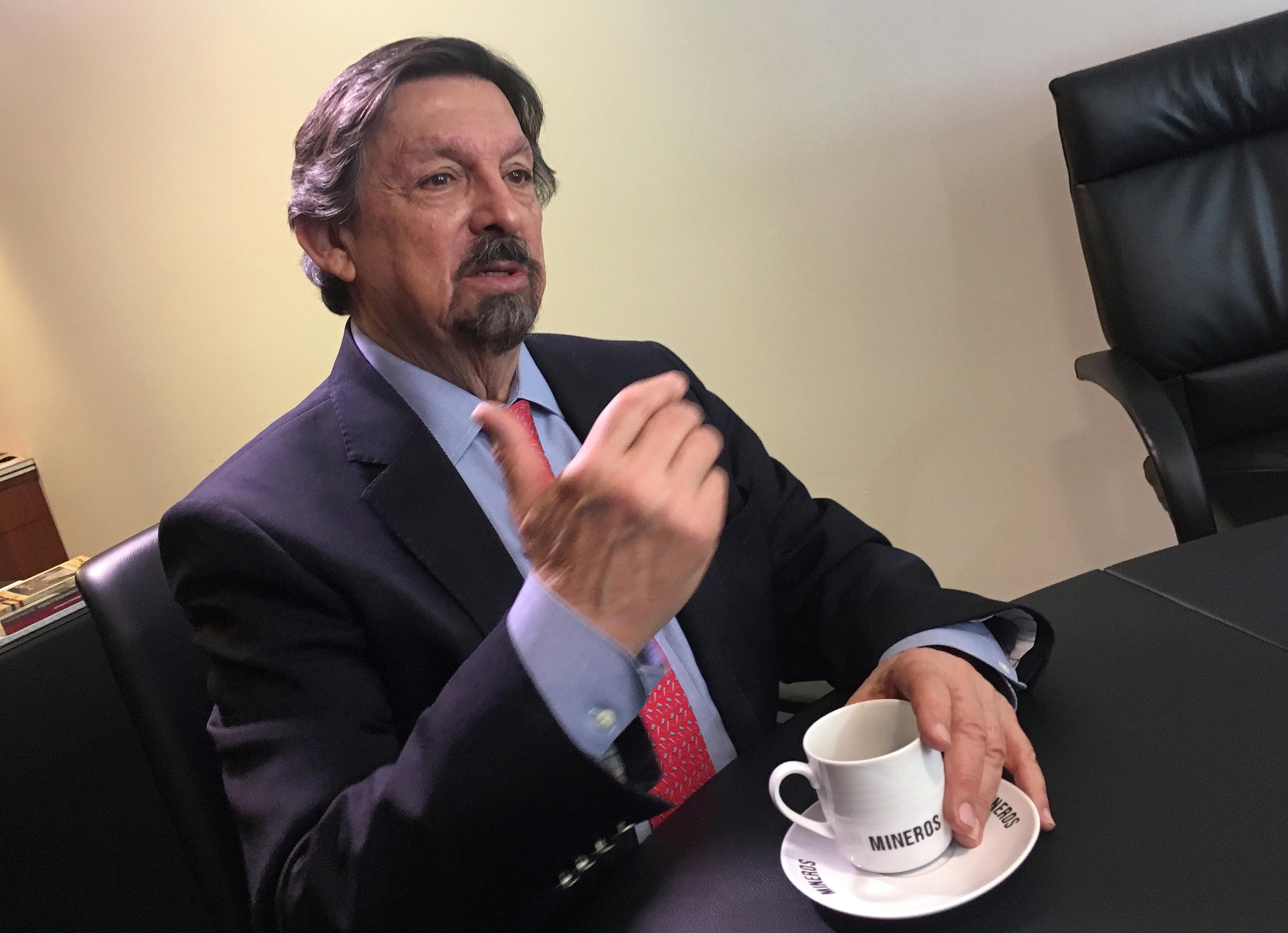 ¿Cuál es el fin de la nueva central obrera de Napoleón Gómez Urrutia?