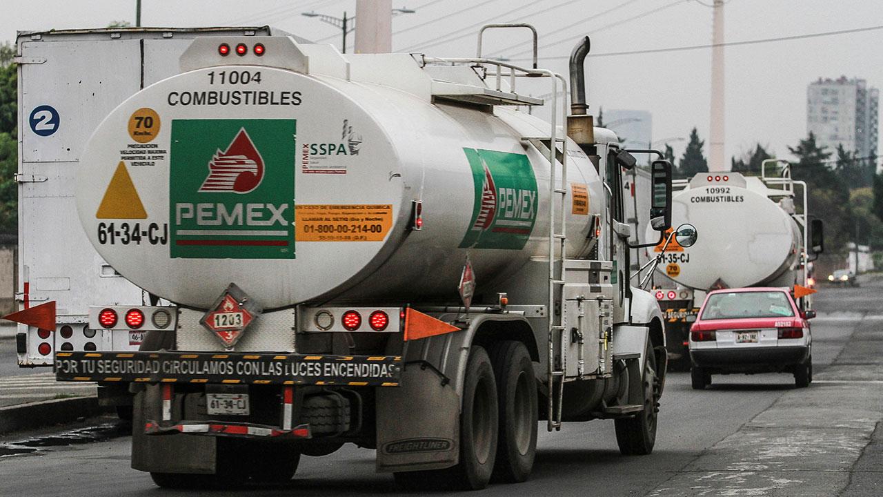 Roban una pipa con 25,000 litros de gasolina en Celaya