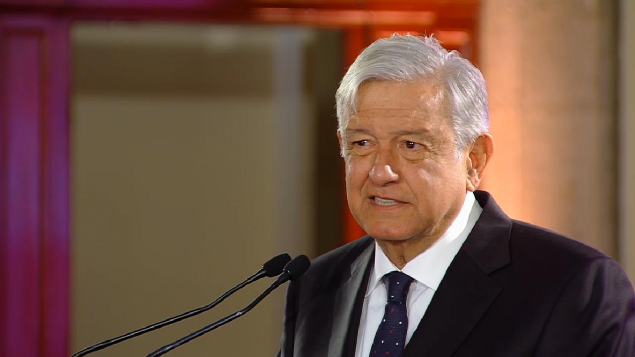 López Obrador pide fortalecer los valores a través de la lectura