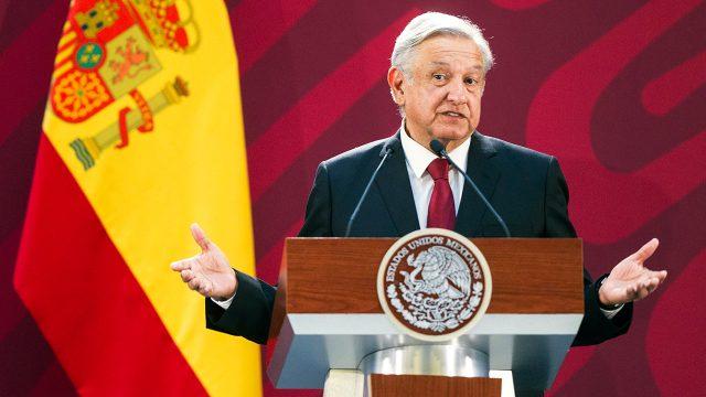 El presidente de México, Andrés Manuel López Obrador, al emitir un mensaje conjunto con el presidente del Gobierno de España, Pedro Sánchez Pérez-Castejón, en Palacio Nacional. Foto: José Pazos/Notimex.