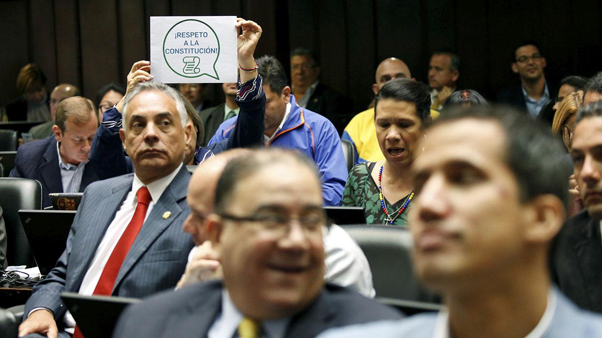 Asamblea Nacional de Venezuela convoca a manifestación contra Maduro
