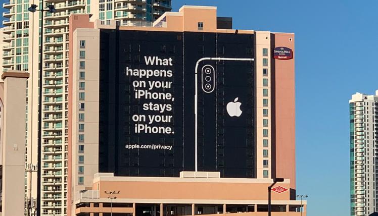 CES 2019 | El extraño anuncio de Apple que apareció en Las Vegas a horas de iniciar el CES
