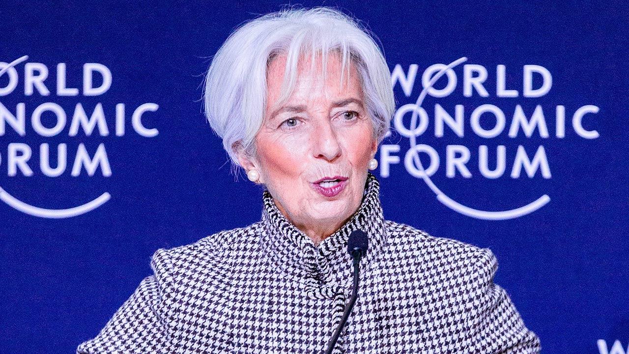 La economía mundial ha perdido ímpetu, pero no vemos recesión cerca: FMI