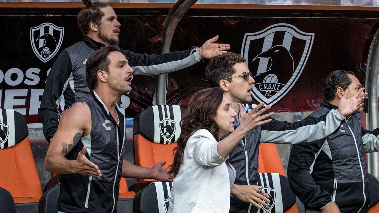 Club de Cuervos se apodera de las redes sociales en su cuarta temporada
