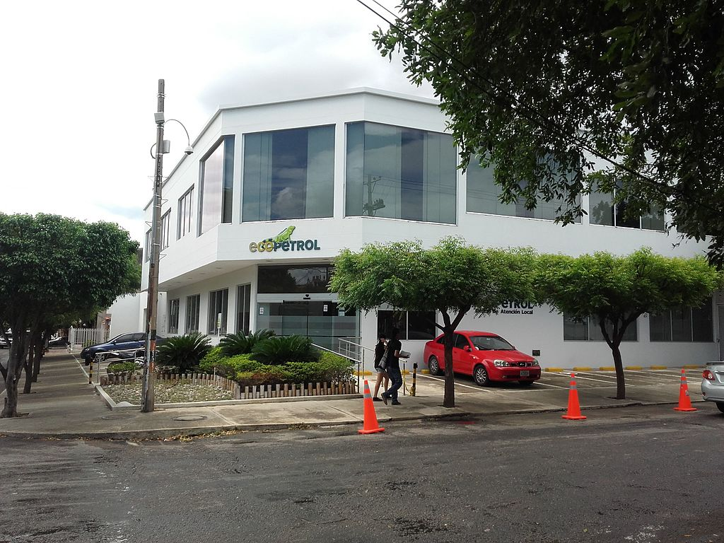 Atentado con explosivos en un oleoducto de la colombiana Ecopetrol