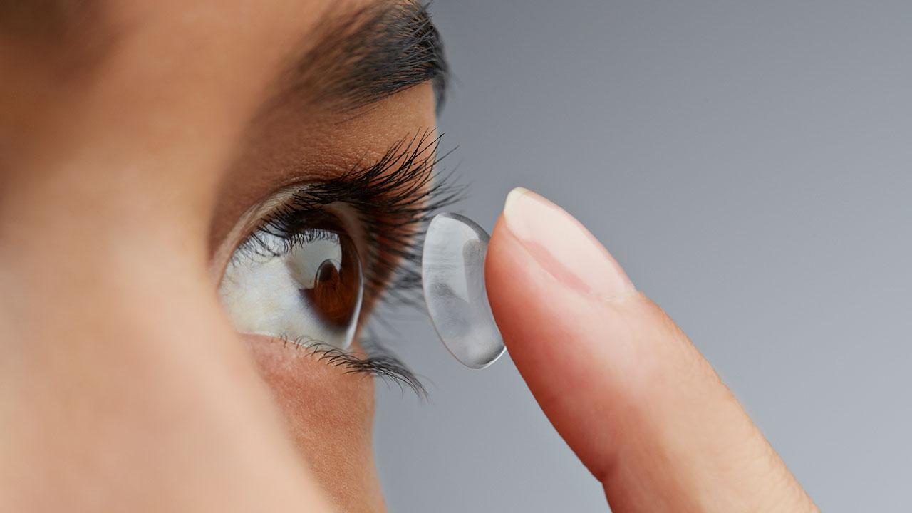 Estos lentes de contacto te ayudan a controlar tus niveles de glucosa