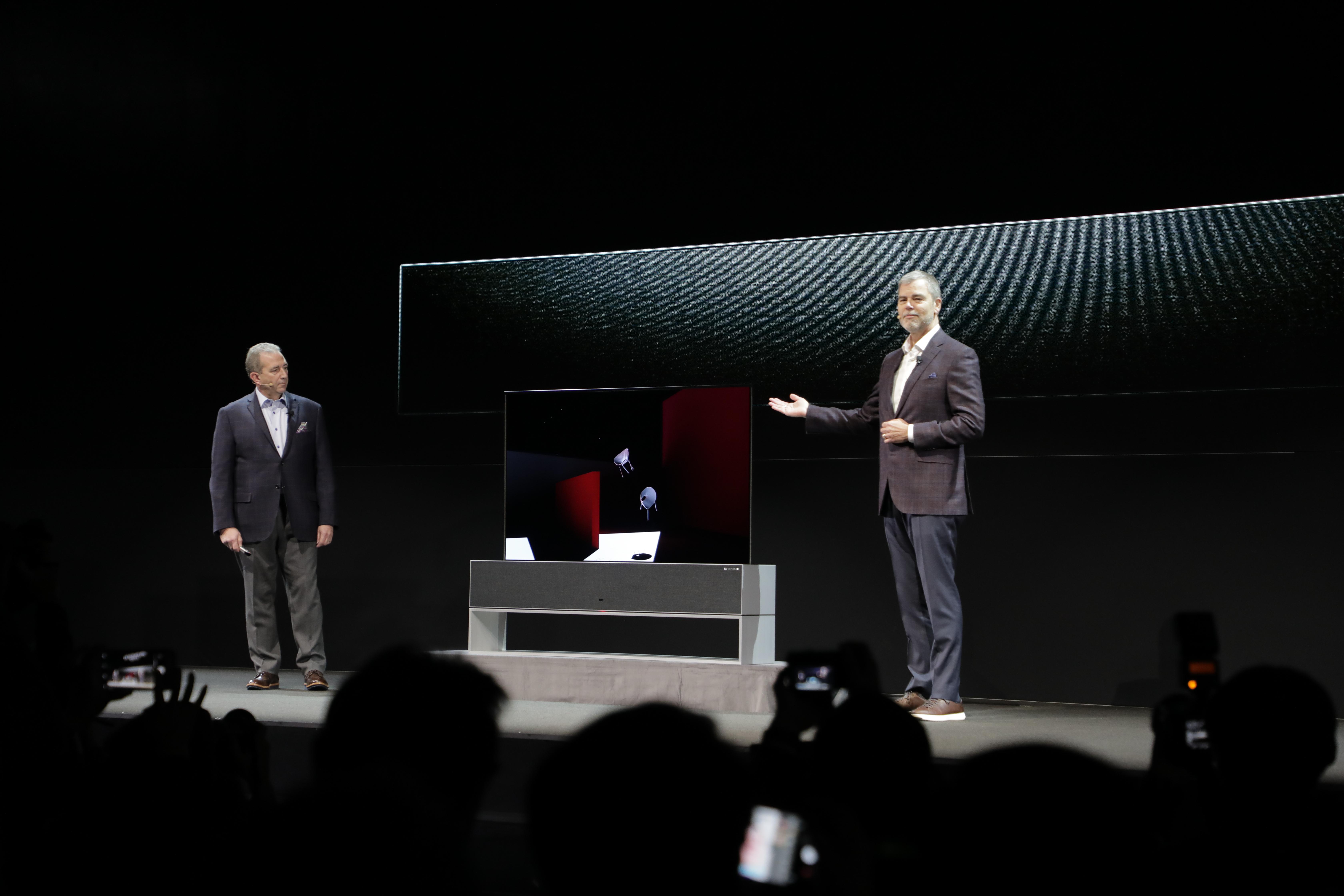 CES 2019 | LG presenta la primera TV enrollable (que también llegará a México)