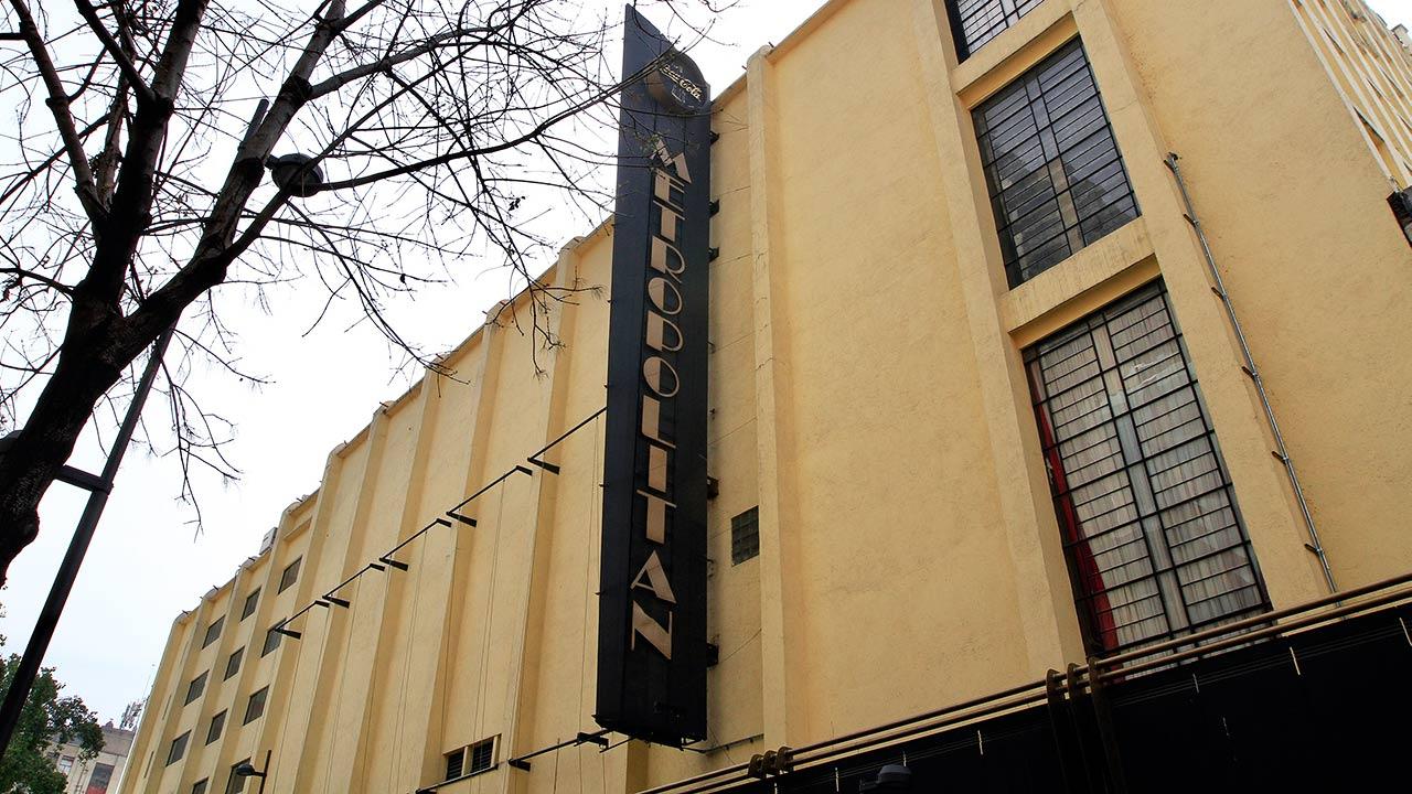 Fachada del Teatro Metropolitan. Foto: Javier Lira/Notimex.