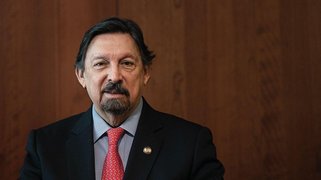 Senador Gómez Urrutia pide al gobierno intervenir a Altos Hornos
