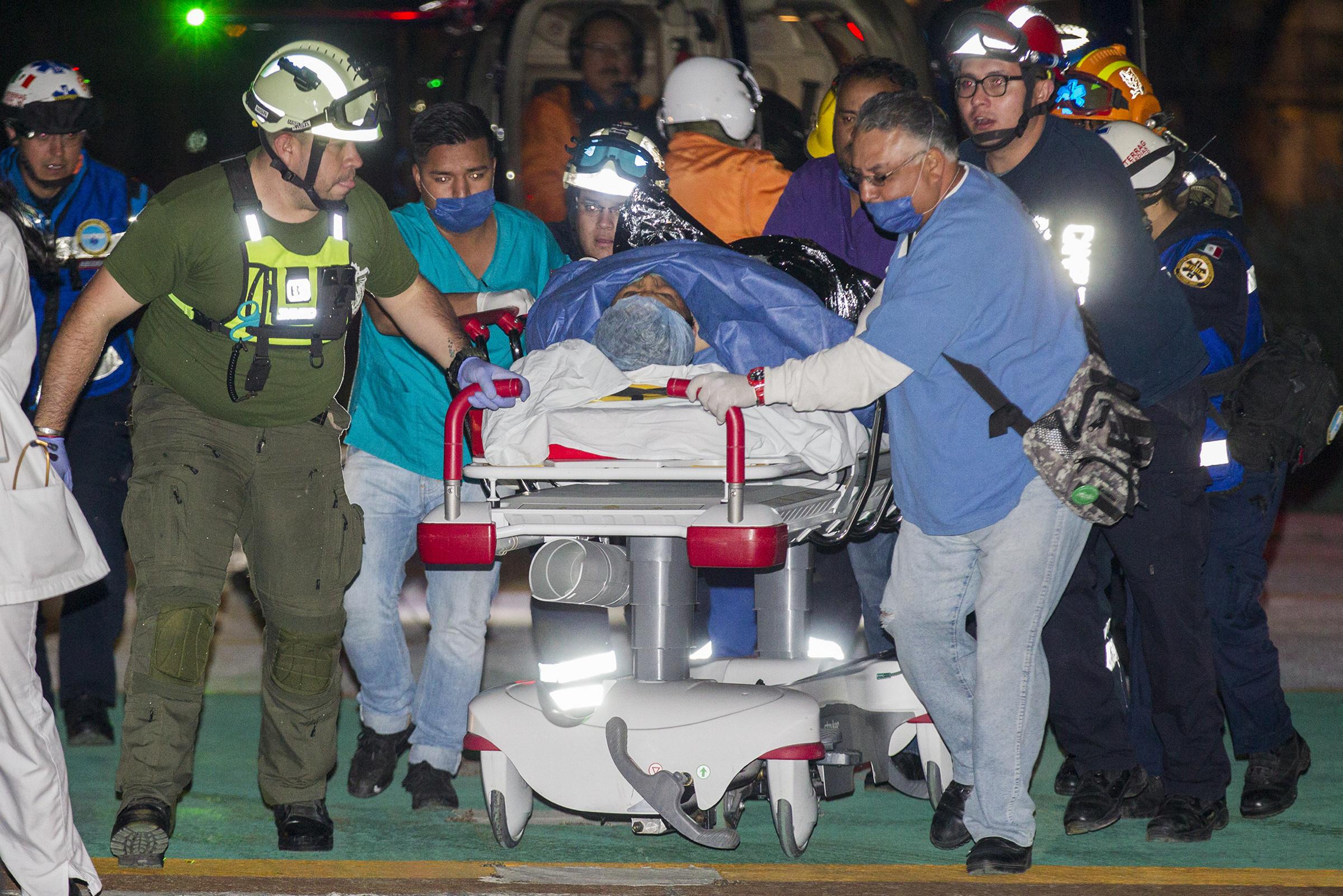 Aumenta a 66 número de fallecidos por explosión de ducto