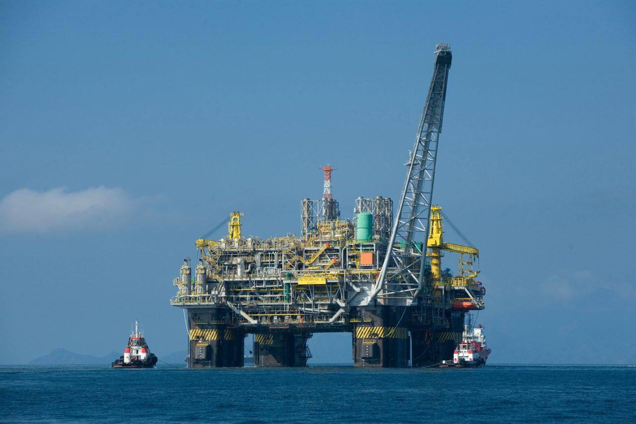 Hacienda contrata cobertura petrolera que garantiza a 55 dólares el barril