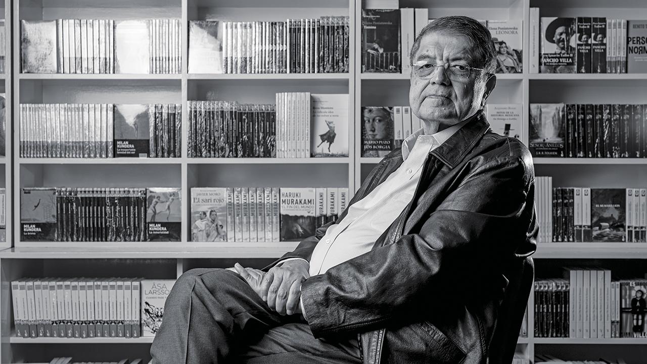 Entre letras y política: Una plática con el escritor nicaragüense Sergio Ramírez