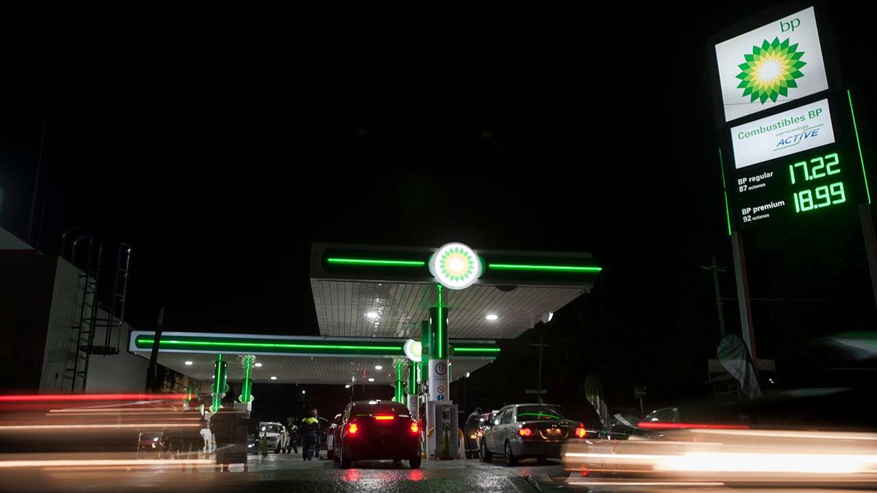 Gasolina se dispara en CDMX; regular sube más de 6%