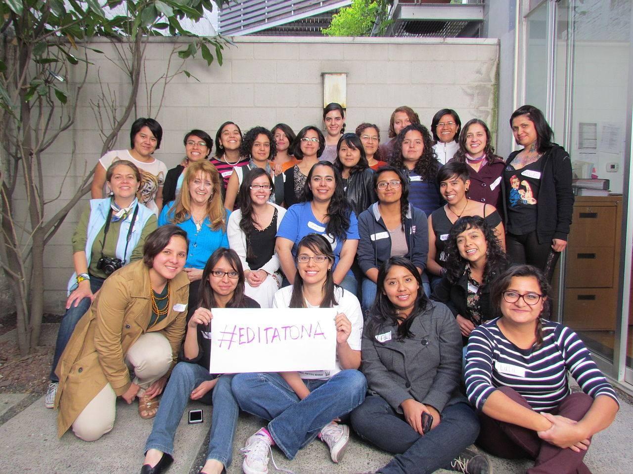 Las mexicanas que están reescribiendo Wikipedia