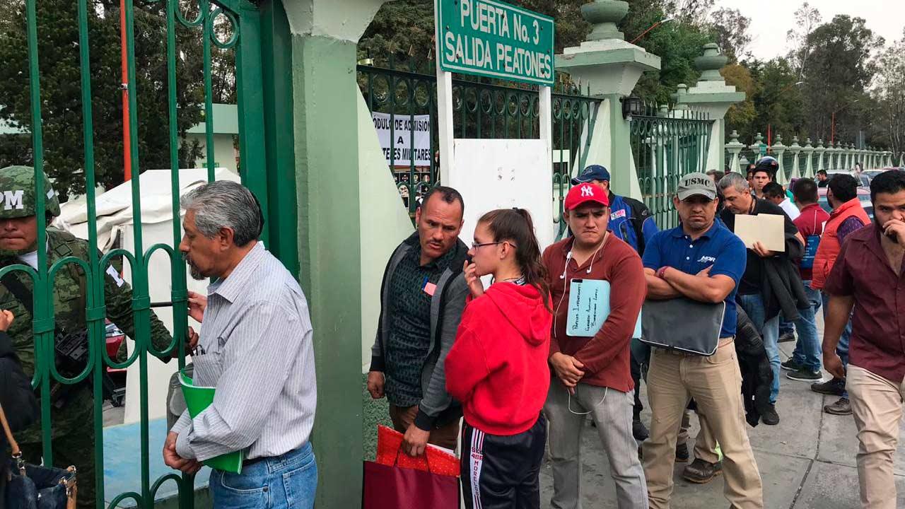 Choferes continúan proceso de contratación para manejar pipas de Pemex