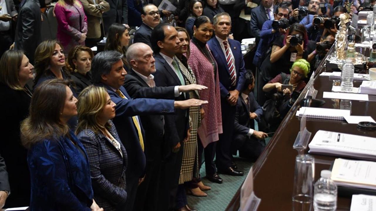 Congreso aprueba a Heath y Esquivel como subgobernadores de Banxico