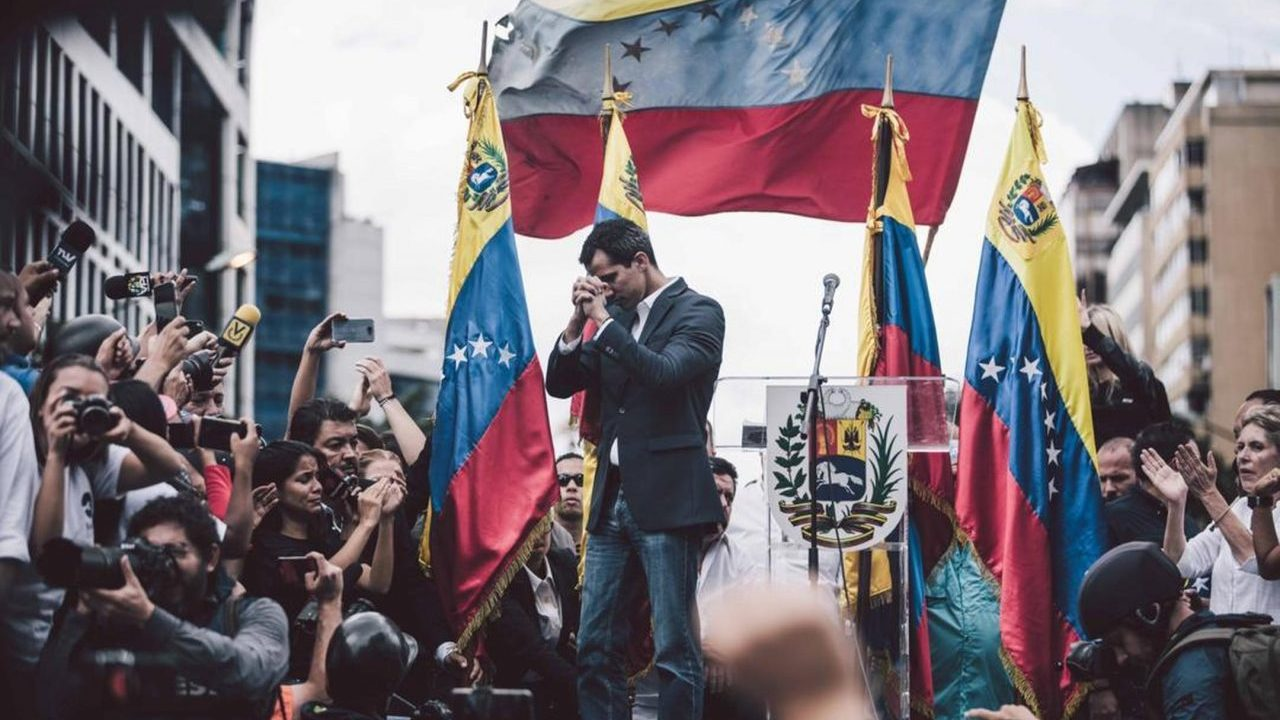 Reconocen a Guaidó como presidente de Venezuela en disputa sobre oro