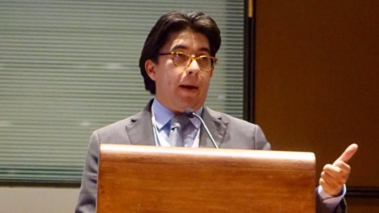 Renuncia el comisionado de la CRE Marcelino Madrigal