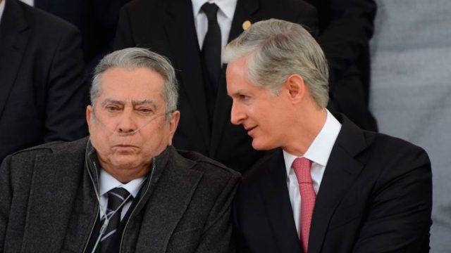 Reaparece Peña Nieto en funeral de ex gobernador mexiquense - Quadratín