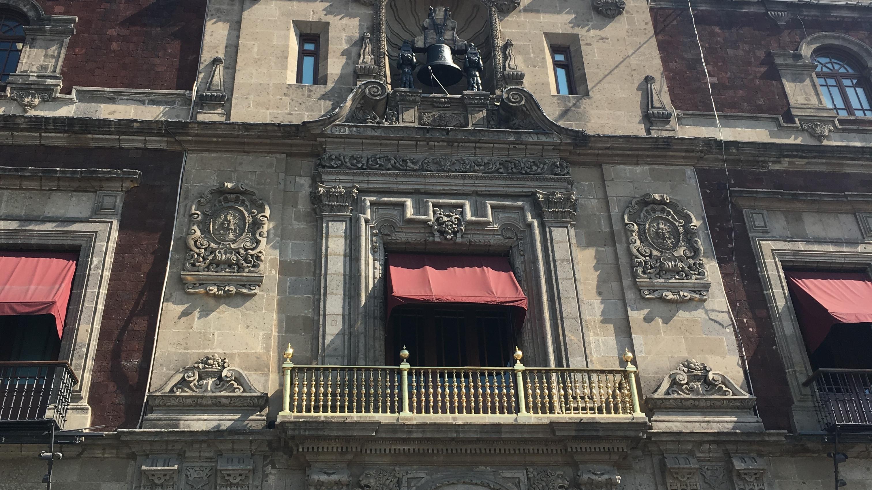 AMLO ya durmió en Palacio Nacional y analiza vivir ahí