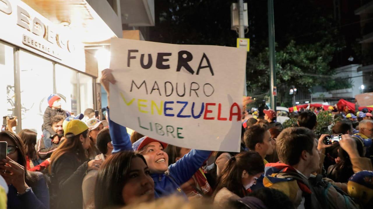 Hermano escucha, únete a la lucha: venezolanos en México