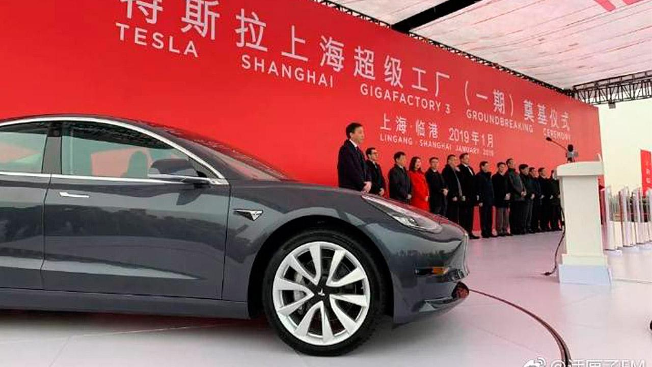 Tesla da el primer paso para su incursión en China abriendo gigafábrica