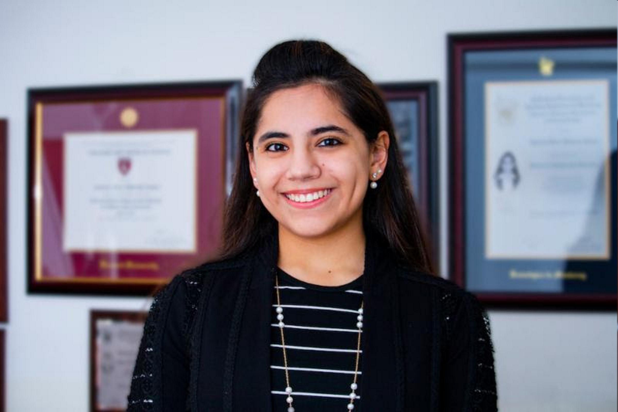 ¿Qué proyecto realizará Dafne Almazán en su curso en Harvard?