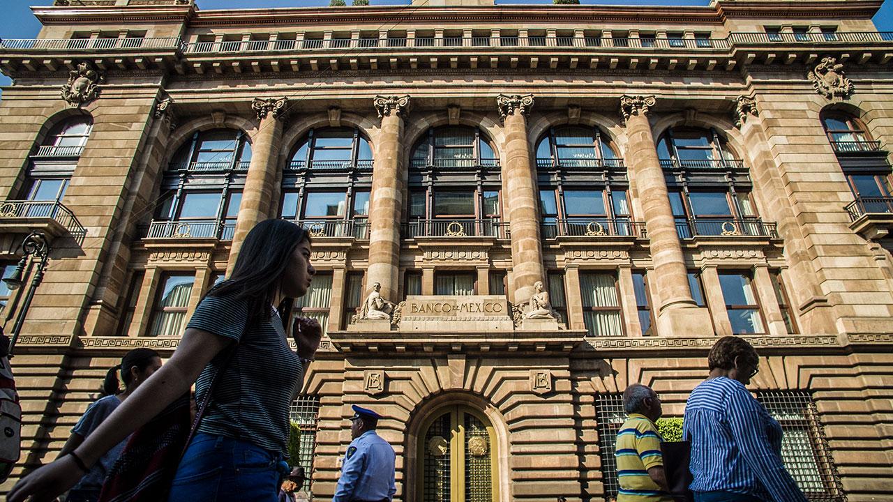 Banxico mantiene tasa interbancaria en 8.25% por tercera vez consecutiva