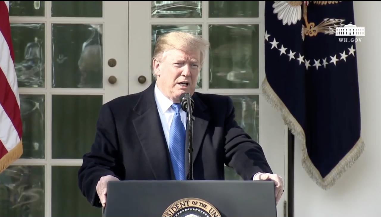 Trump declara emergencia nacional para construir su muro con México