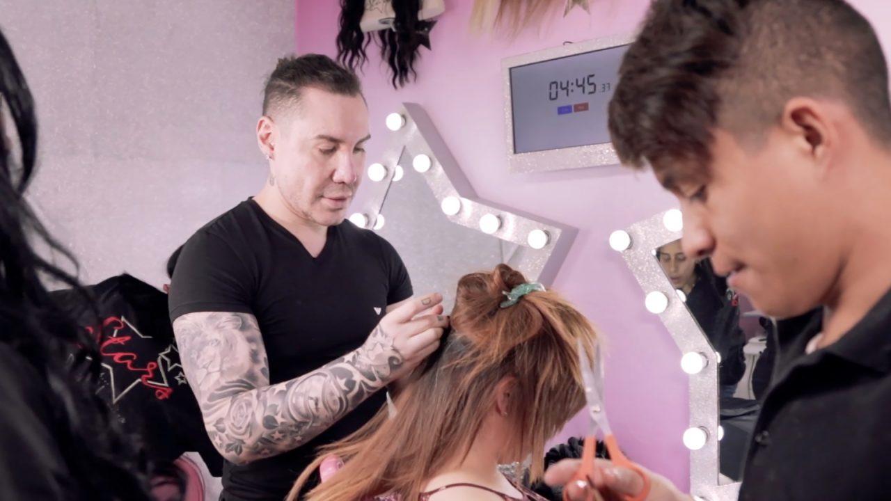 Poner extensiones de pelo es un negocio… y reality creado por Daniel Urquiza