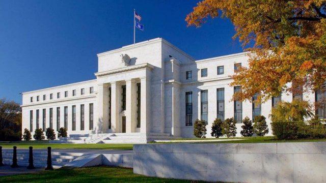 La FED mantiene tasa de interés referencial cerca de cero