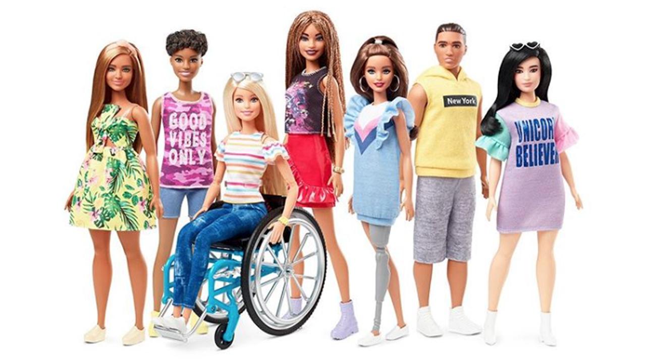 Barbie expande su inclusión con muñecas con prótesis y en sillas de ruedas