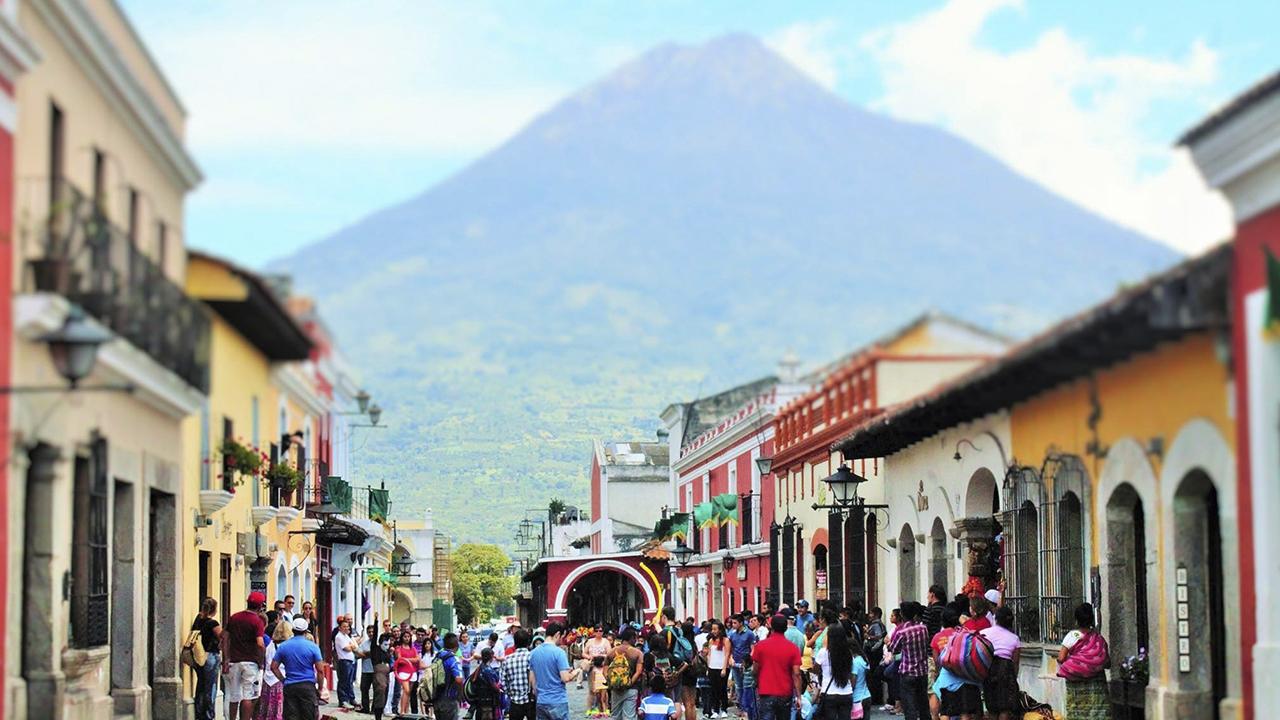 ¿Cuánta inversión se necesita para desarrollar el turismo fuera de la Ciudad de Guatemala?