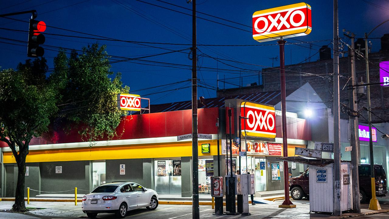 Oxxos y farmacias detonaron las ventas en 7.9% de Femsa en 2019