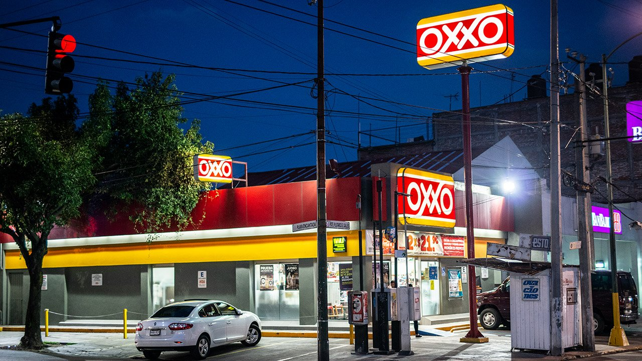 FEMSA espera mantener ritmo de apertura de tiendas OXXO en 2019