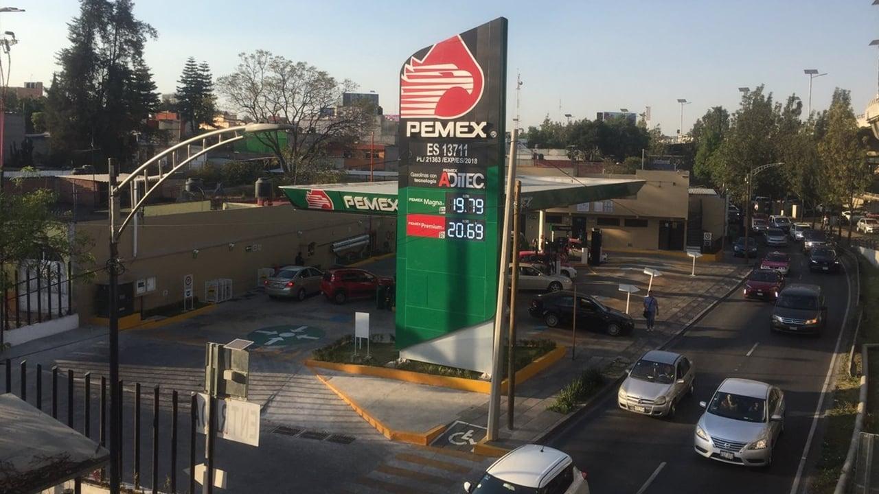 Morena suspende aprobación de reforma a la ley de Pemex