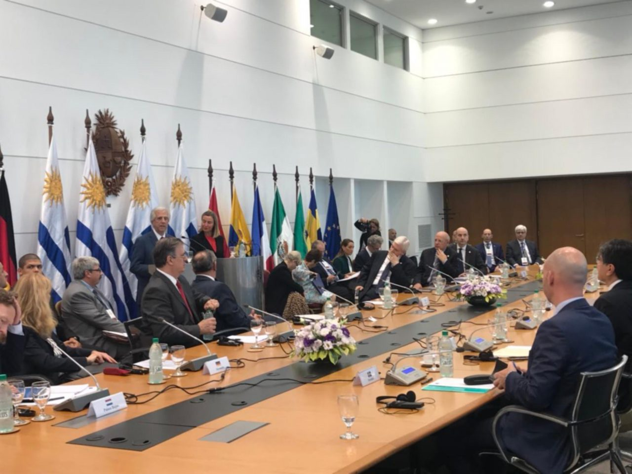 Venezuela está 'entre la paz y la guerra': presidente de Uruguay