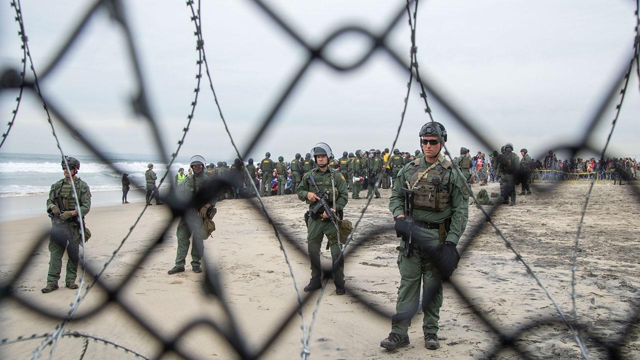 Trump afirma que enviará más militares a la frontera con México