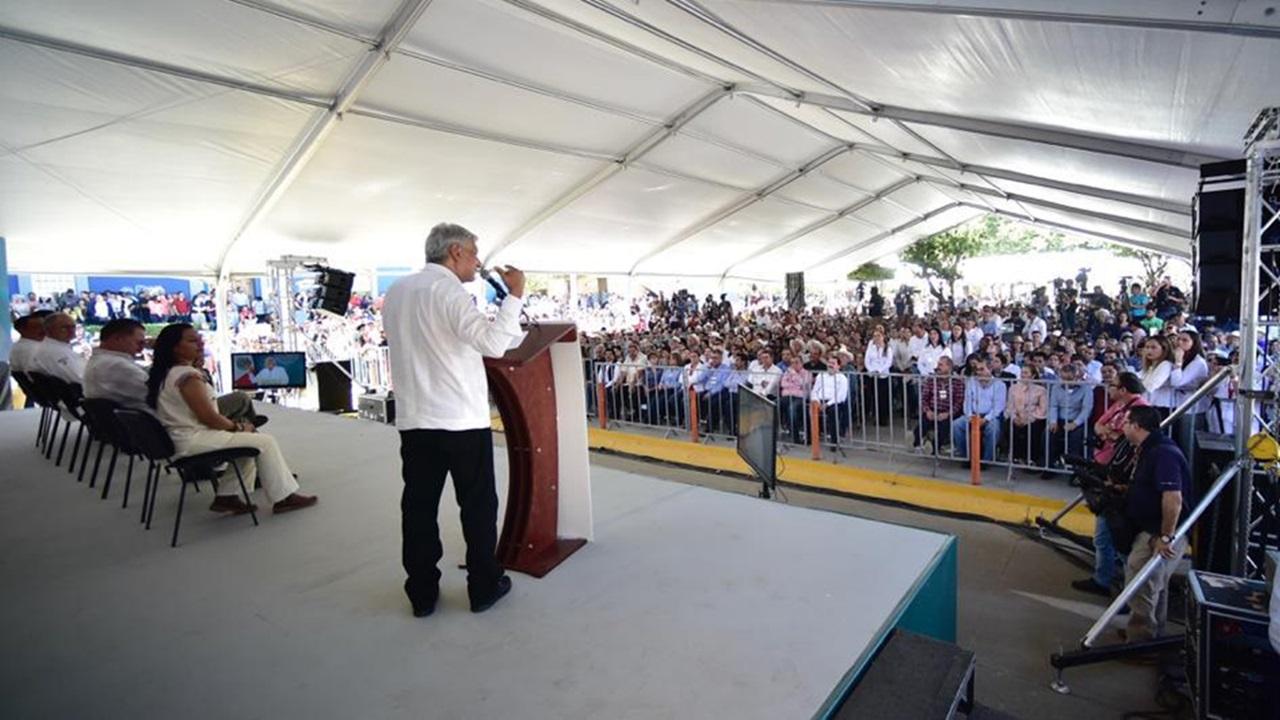 Anuncia AMLO planta eléctrica para evitar apagones en Península de Yucatán