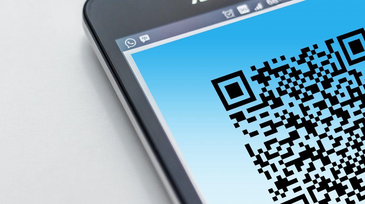 Inicia en CDMX registro de clientes con Código QR en negocios para rastrear contagios
