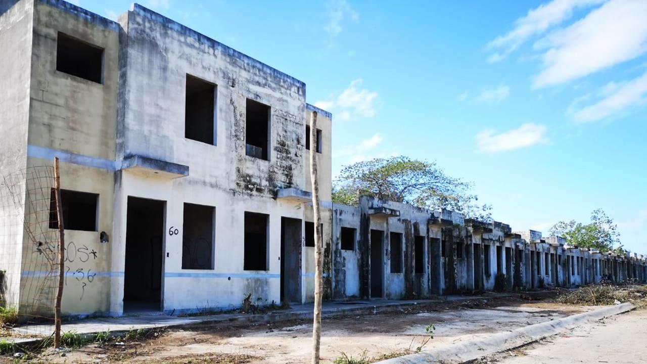 Infonavit, dispuesto a demoler viviendas abandonadas