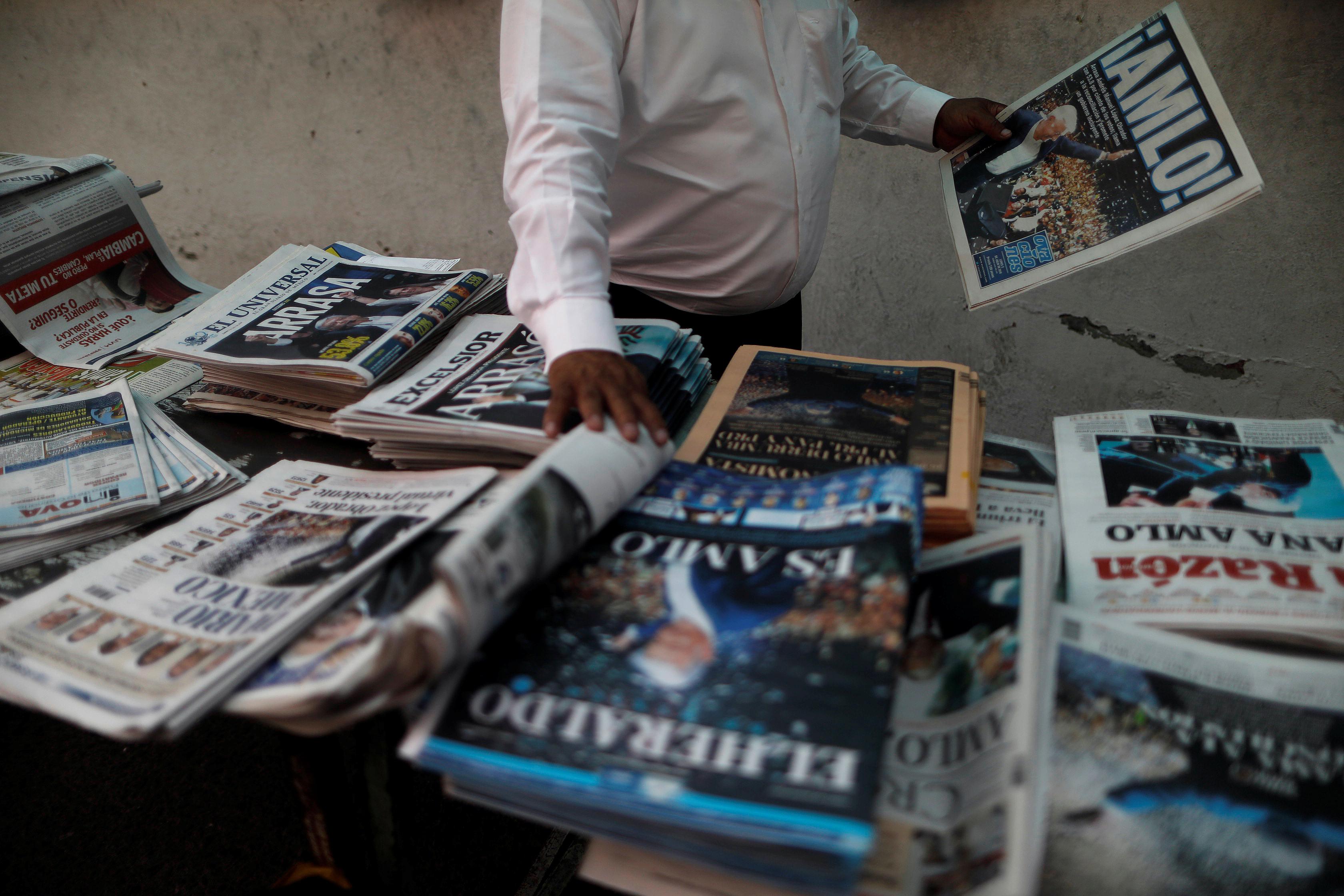 Pemex gasta millones en revistas y música de ambiente para sindicato