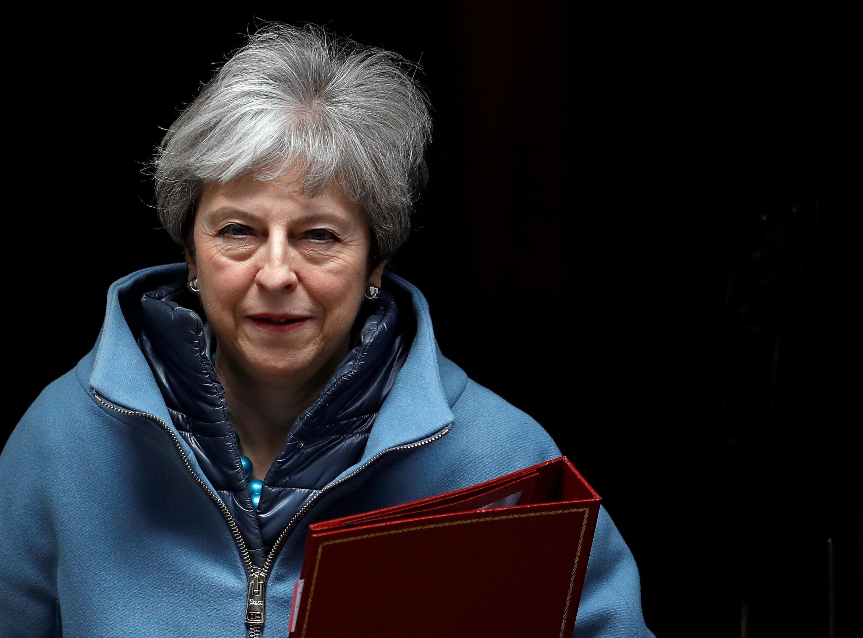 Theresa May pone fecha a su renuncia y pide a diputados apoyar el Brexit