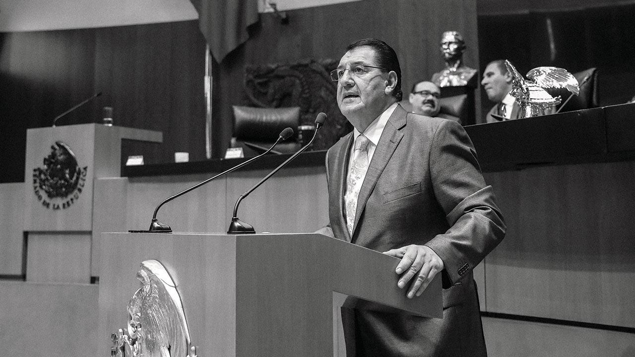 González Yañez dejó todo por el sueño socialista