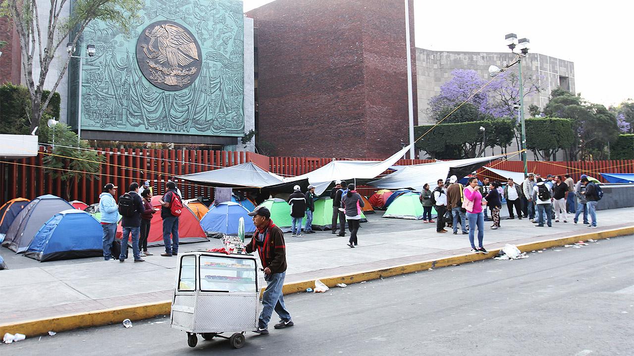 CNTE lenvantará el plantón en la Cámara de Diputados