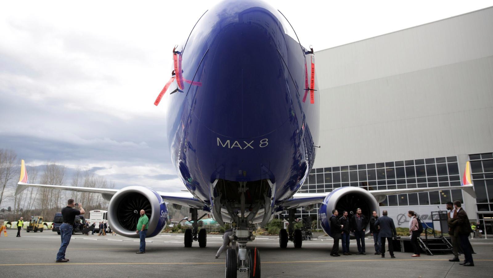 Trump dice que EU suspenderá vuelos de aviones Boeing 737 MAX 8 y 9