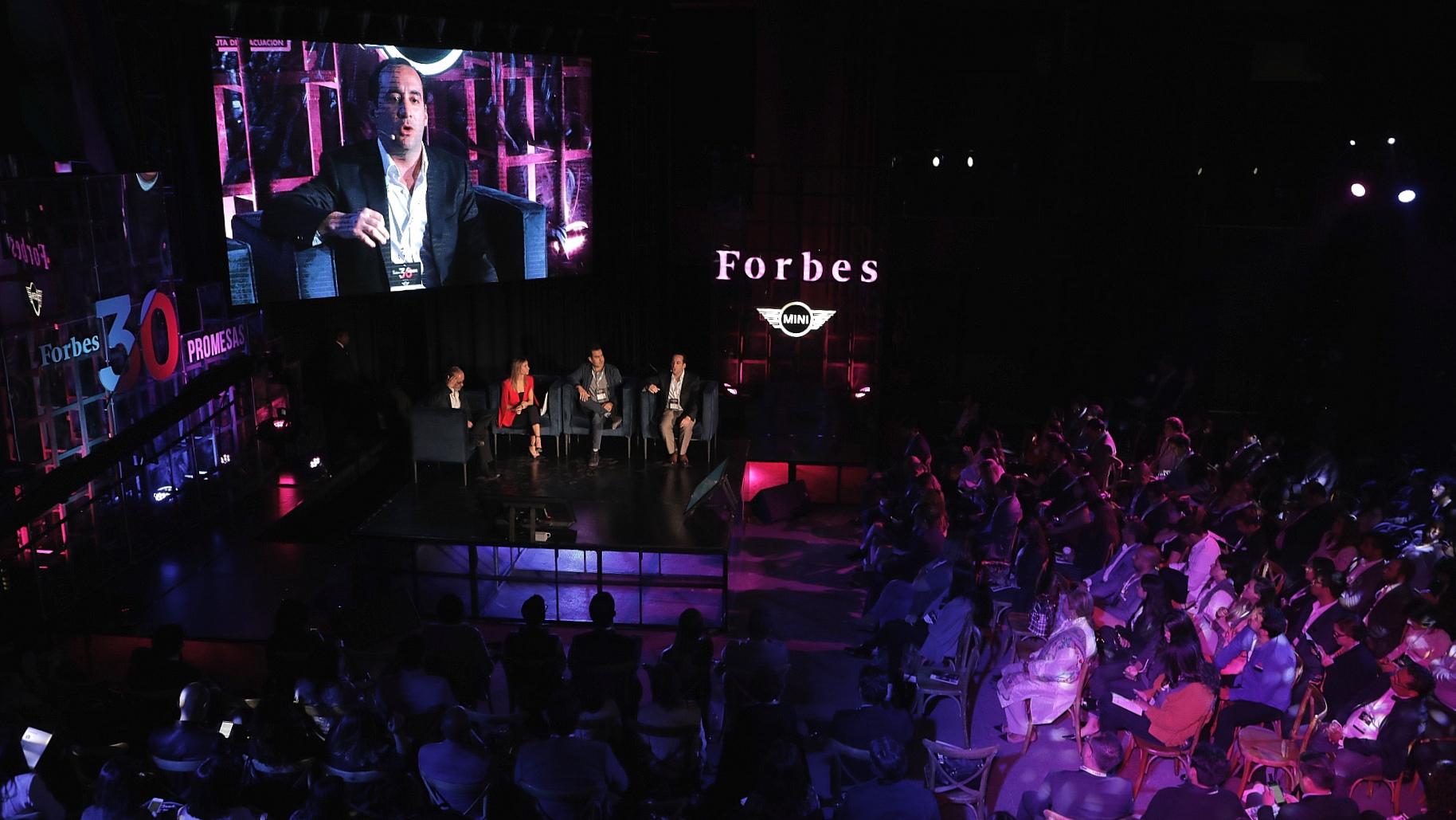 30 Promesas Forbes | Inversionistas y emprendedores saltan fronteras