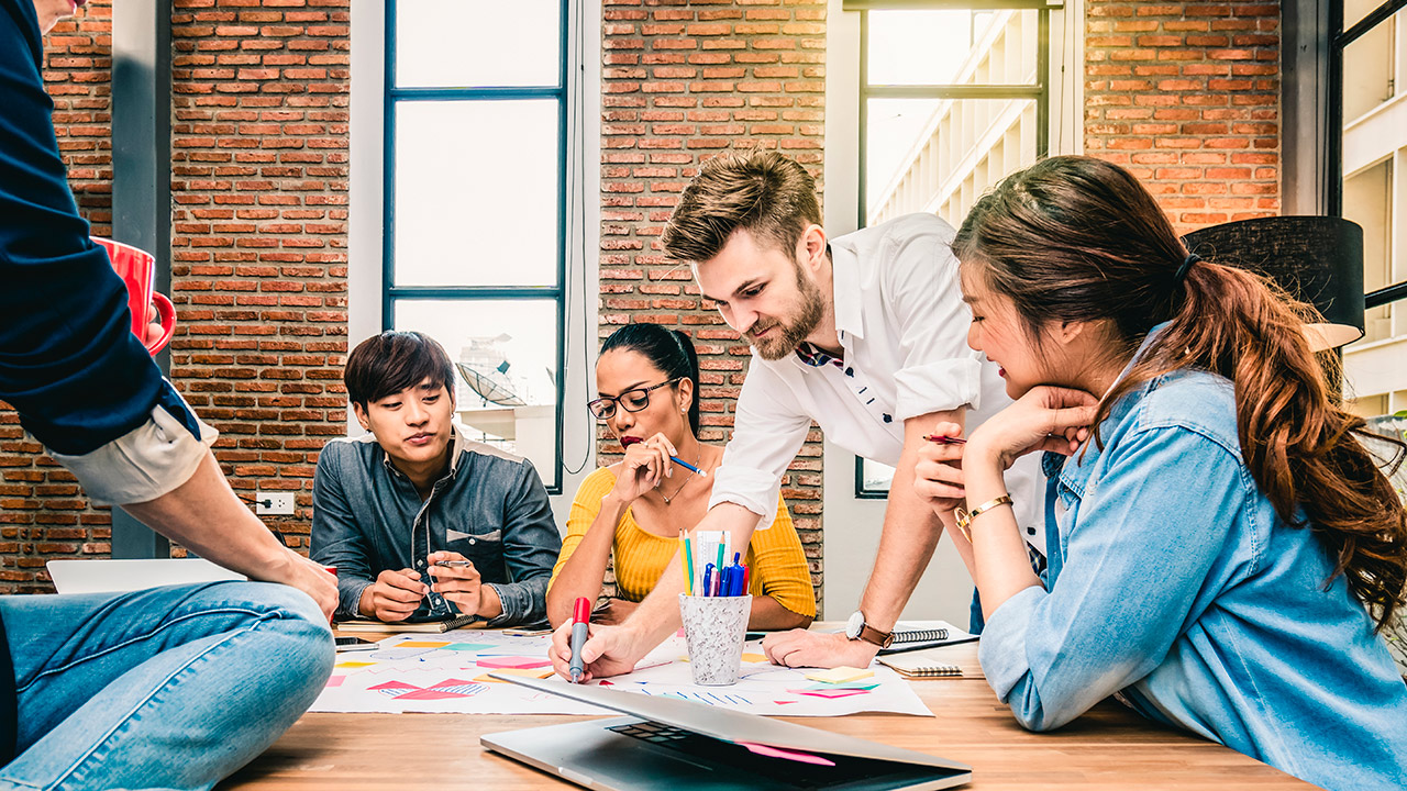 3 pasos para crear cultura de liderazgo y mejorar el desempeño en una organización