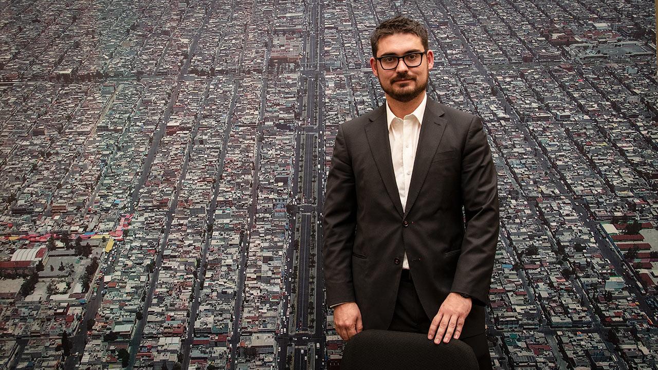 No podemos seguir apostando al mismo patrón de vivienda: Román Meyer